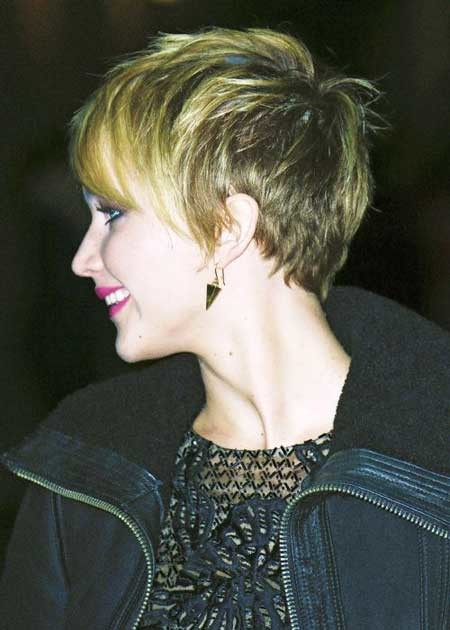 Jennifer-Lawrence's-Fantastic-Pixie-Cut Hair Color for Short Hair 2019