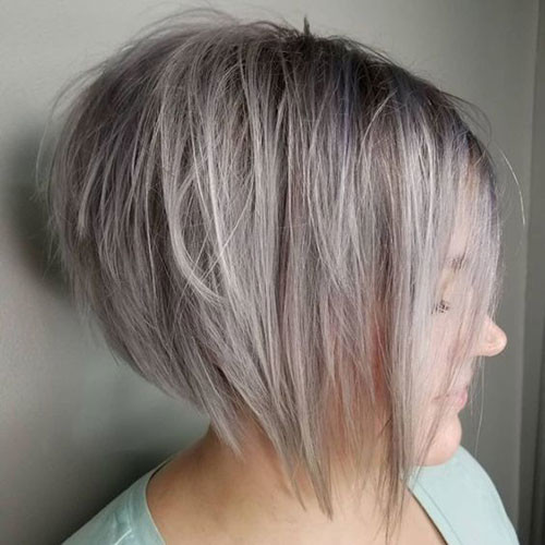 Layered-Bob-with-Blonde-Color Trendy Hair Colors for Short Hair for Ladies