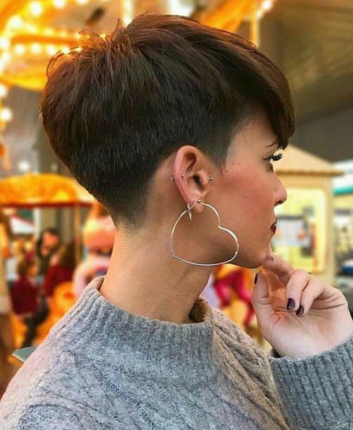 Pixie-Sidecut Cute Short Haircuts and Styles Women