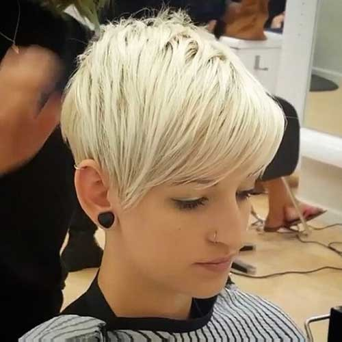 Platinum-Blonde-Hair Nice Short Hairstyle Ideas for Teen Girls