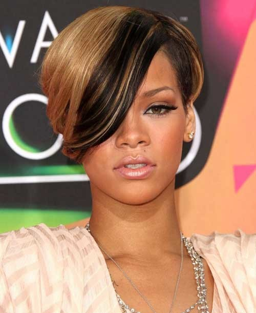 Rihanna-short-hair-2019 Celebrity Women with Short Hair