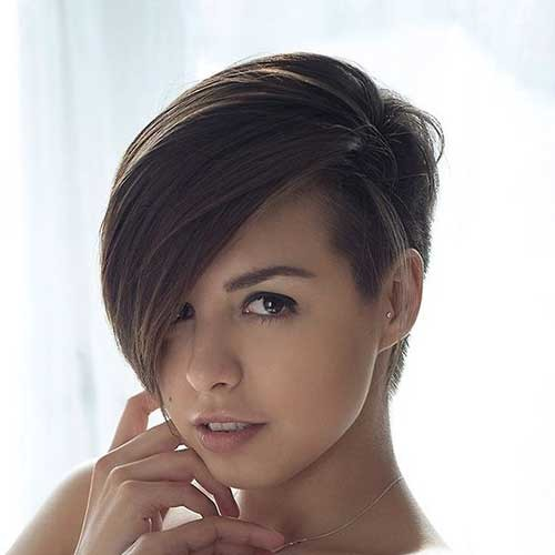 Shaved-on-one-Side Asymmetrical Short Haircuts for Fabulous Look