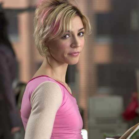 Short-Blonde-Pink-Highlights-Simple-Hair Short blonde hairstyles