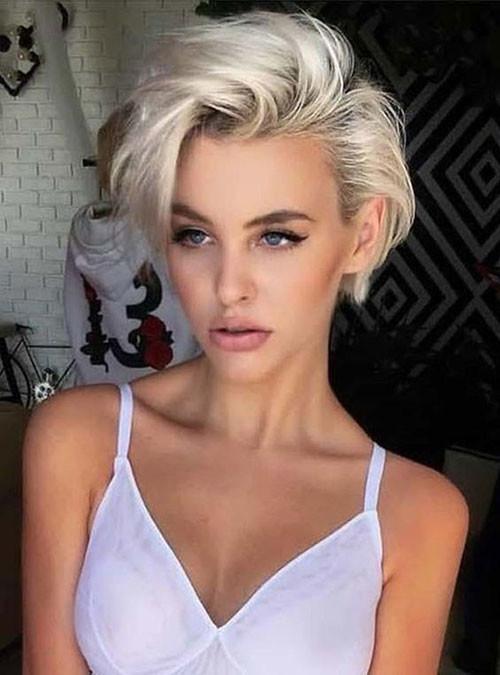 Short-Com-Blonde-Haircut Cute Short Haircuts and Styles Women