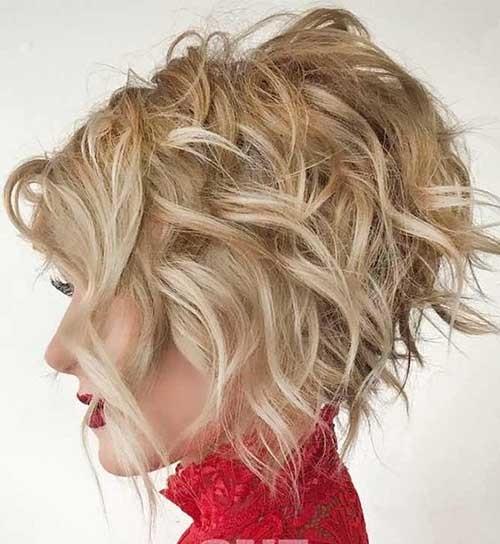 Short-Graduated-Bob-Haircut-for-Thick-Wavy-Hair Flattering Layered Short Haircuts for Thick Hair