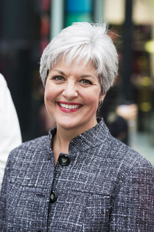 Short-Hair-Gray-Hair-Style Best Short Haircuts for Women Over 50
