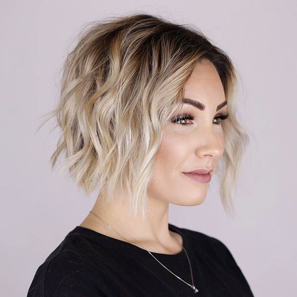 Short-Layered-Wavy-Hairstyle New Short Wavy Hair Ideas in 2019