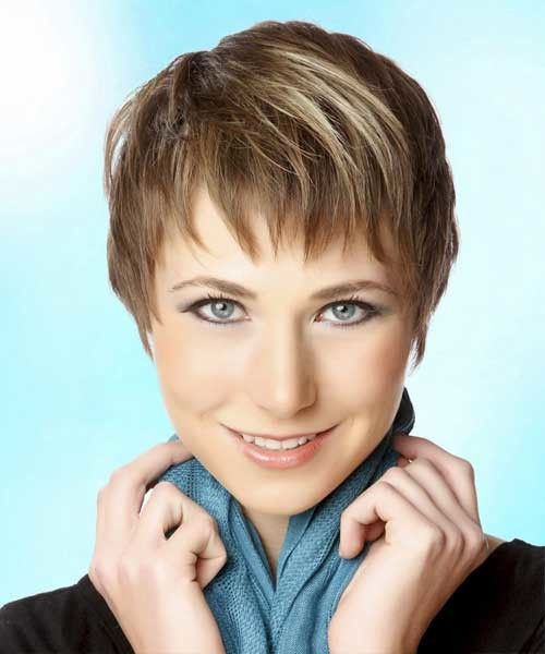 Short-Straight-Layered-Hair-with-Thin-Bangs Nice Short Straight Hairstyles with Bangs