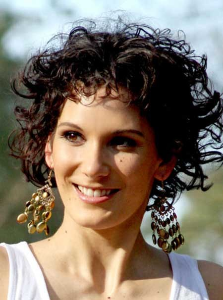 Short-Trendy-Curly-Haircuts-3 Short Trendy Curly Haircuts