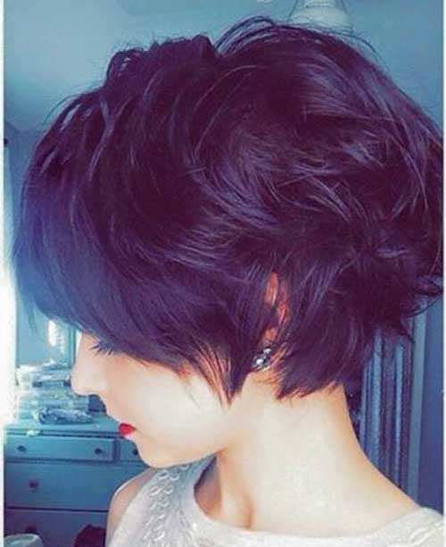 Short-Wavy-Hair-with-Dark-Color Eye-Catching Short Hairstyles in 2019 for Wavy Hair