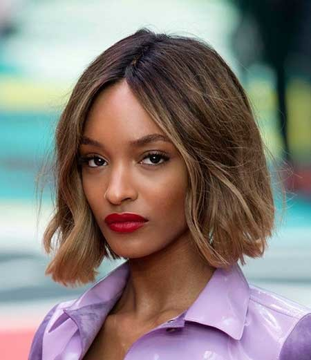 Short-Wavy-Straight-Line-Style Hairstyles for Black Women with Short Hair