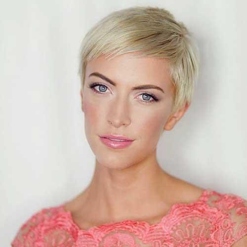 Simple-Pixie Striking Short Hair Ideas for Blondies