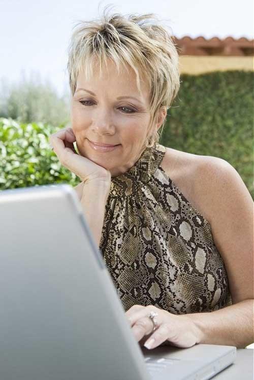 Spiky-Short-Hair-Style-for-Women-Over-50 Short Hair Styles for Over 50
