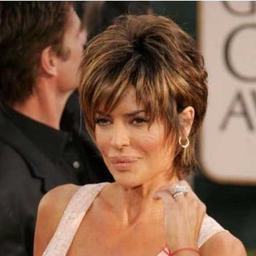 Stylish-Highlighted-Short-Hair-Style-for-Over-50 Short Hair Styles for Over 50