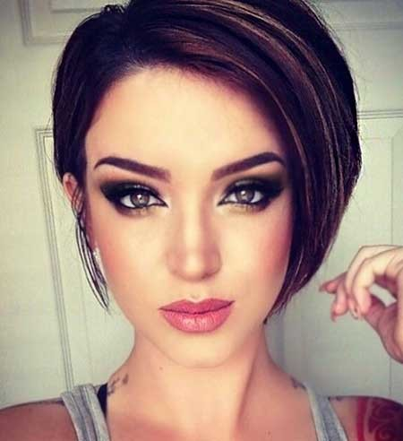 Stylish-and-Chic-Straight-Asymmetrical-Bob-Hairstyle Pics of Bob Hairstyles 2019