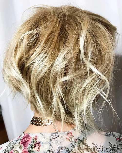 Textured-Bob Striking Short Hair Ideas for Blondies