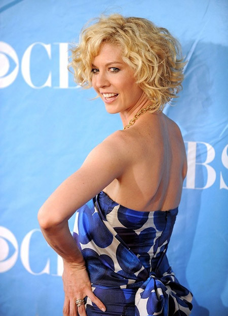 The-Lovely-and-Fabulous-Wavy-Bob-Cut Cuts for Short Curly Hair