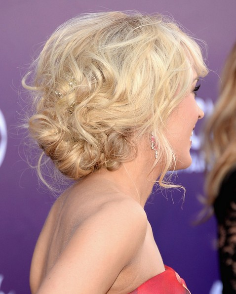 2014-Carrie-Underwood-Hairstyles-Messy-Updo-for-Prom Top 100 Celebrity Hairstyles 2019
