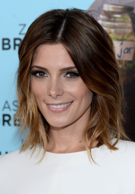Ashley-Greene-Short-Layered-Ombre-Bob-Hairstyle-for-Women Popular Short Hairstyles for Women 2019