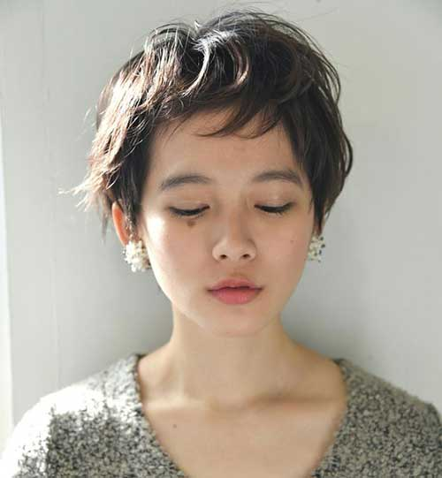 Asian-Pixie Short Haircuts for Round Face Shape