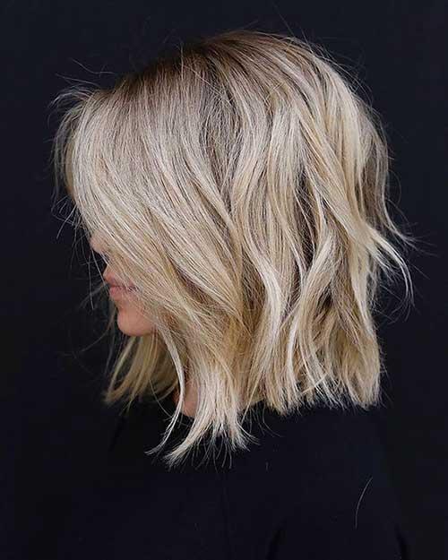 Beige-Blonde Wavy Short Hair Styles for Chic Ladies