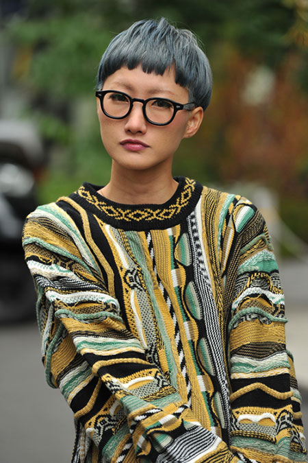 Blend-of-Grey-and-Black-Colored-Blunt-Haircut Short Haircuts and Color Ideas