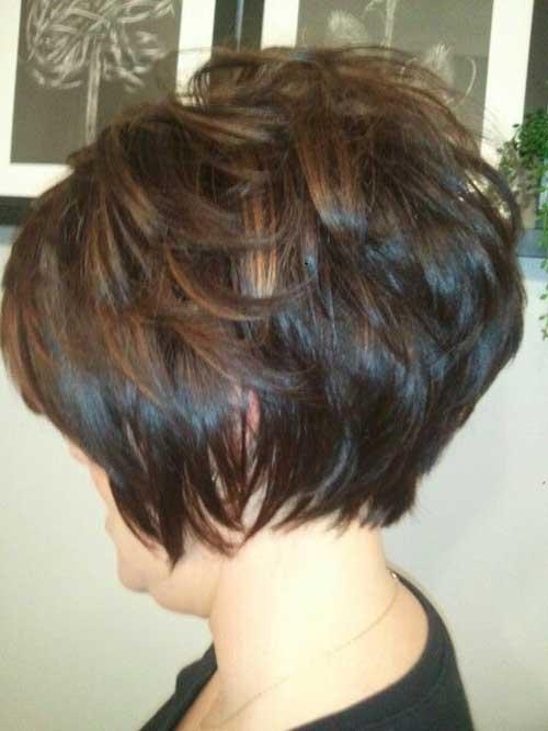 Caramel-Highlights-Short-Bob Charming Short Brunette Hairstyles