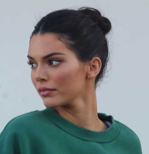 Cute-Short-Bun Kendall Jenner Short Hair Pics