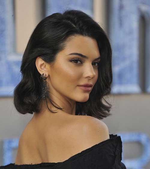 Elegant-Wavy-Bob Kendall Jenner Short Hair Pics