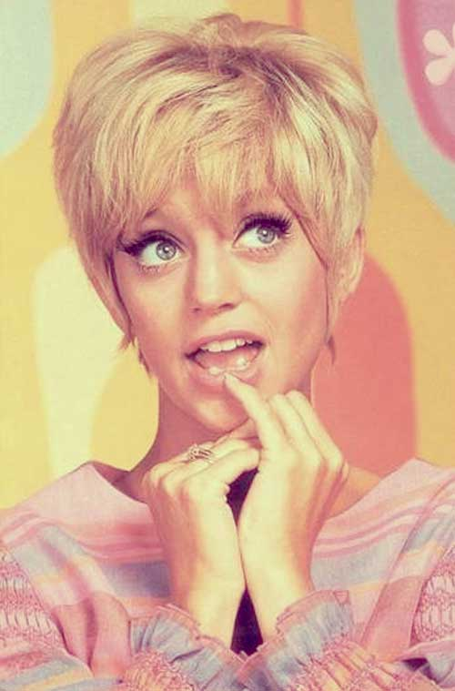 Goldie-Hawn-short-hairstyle Top Celebrity Short Haircuts