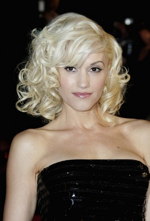 Gwen-Stefani-Blonde-Curly-Hairstyle-for-Short-Hair Popular Short Hairstyles for Women 2019
