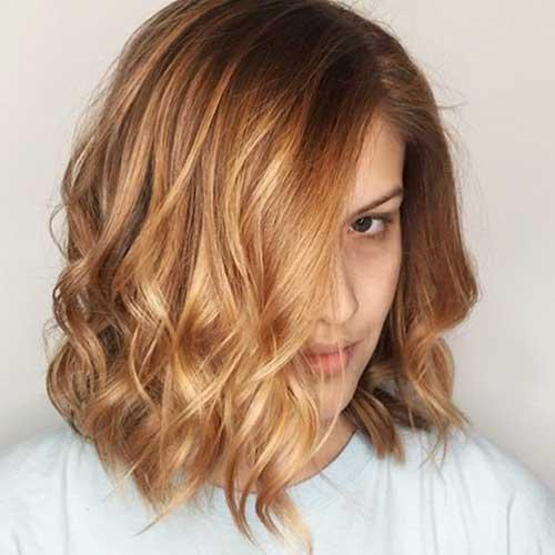 Honey-Blonde-Lob Alluring Short Curly Hair Ideas for Summertime