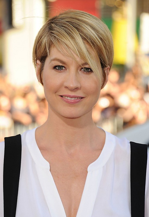 Jenna-Elfman-short-hair-with-bangs Very Short Haircuts with Bangs for Women