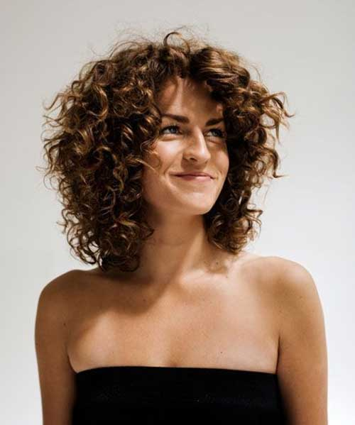 Layered-Curly-Hairstyle-for-Girls Short and Curly Hairstyles 2019