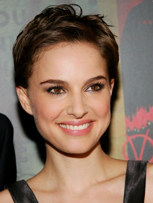 Natalie-Portman-Chic-Messy-Short-Pixie-Cut-for-Women Popular Short Hairstyles for Women 2019