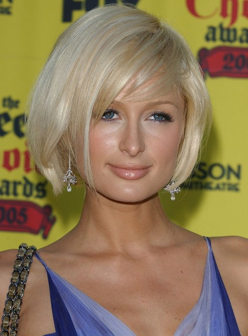 Paris-Hilton-Short-Side-Part Popular Short Hairstyles for Women 2019