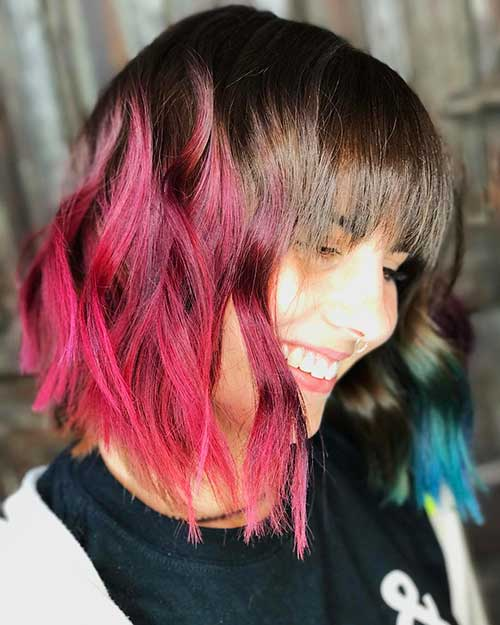 Pink-Red-Wavy-Bob Eye-Catching Short Red Hair Ideas to Try