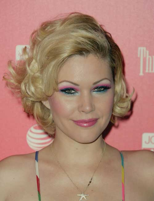 Shanna-Moakler-short-hair Top Celebrity Short Haircuts