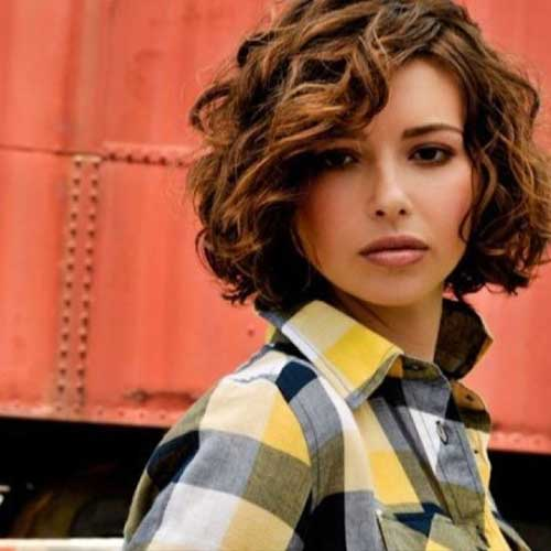 Short-Beauty-Curly-Hair-for-Round-Faces Short and Curly Hairstyles 2019