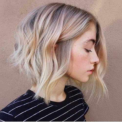 Short-Bob-Haircut-for-Wavy-Hair Wavy Short Hair Styles for Chic Ladies