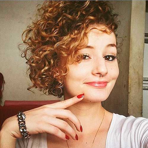 Short-Curly-Hair-2019 Alluring Short Curly Hair Ideas for Summertime