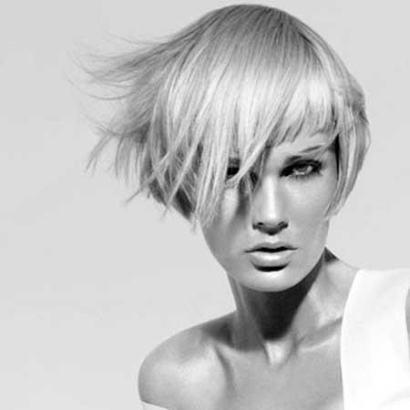Short-Interesting-Straight-Line-Bob Short Trendy Hairstyles for Women
