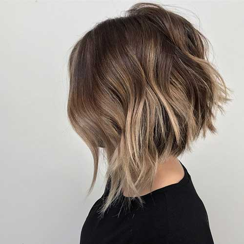 Short-Layered-Haircuts-for-Women-Over-50-008-www.vozsex.com_ Best Short Layered Haircuts for Women Over 50