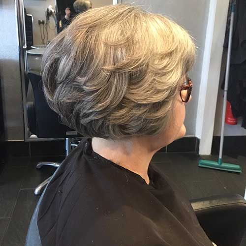 Short-Layered-Haircuts-for-Women-Over-50-013-www.vozsex.com_ Best Short Layered Haircuts for Women Over 50