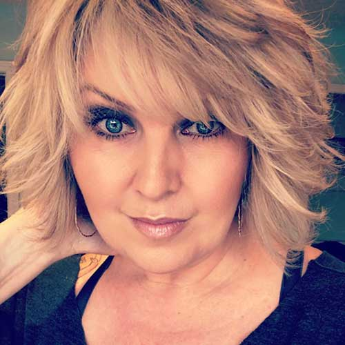 Short-Layered-Haircuts-for-Women-Over-50-015-www.vozsex.com_ Best Short Layered Haircuts for Women Over 50