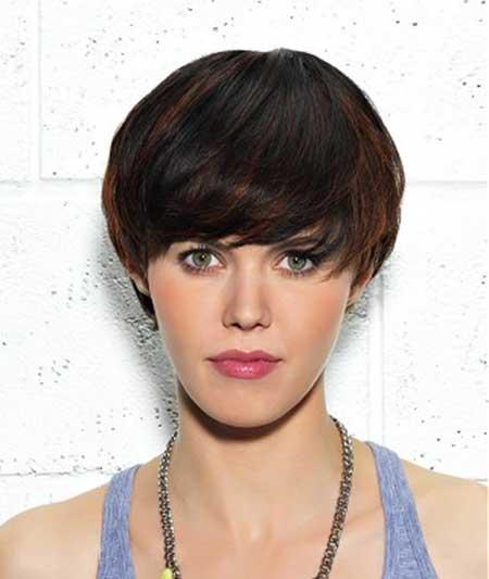 Short-Two-Toned-Voluminous-Hair Short Trendy Hairstyles for Women
