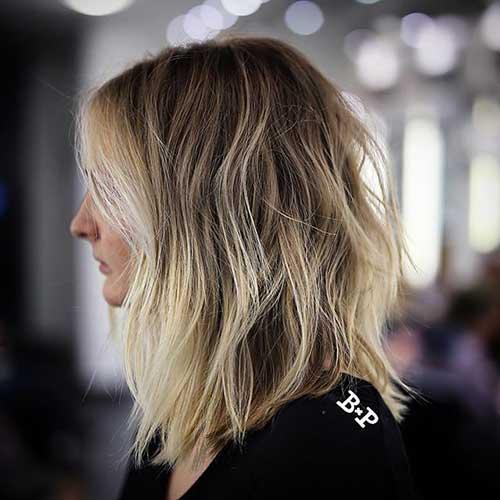 Short-to-Medium-Wavy-Hair Short to Medium Hairstyles 2019