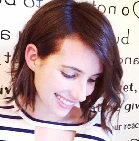 Side-Parted-Wavy-Asymmetrical-Hairstyle Short Wavy Hairstyles 2019