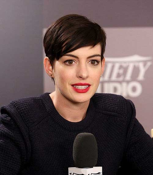 Side-Swept-Cute-Short-Pixie-Hairstyle-for-Girls Best Pixie Haircuts