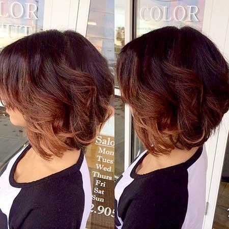 Side-View-of-Bouncy-Short-Wavy-Bob-Hairdo Short Wavy Hairstyles 2019
